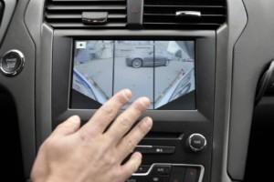 Ford -asistenční technologie - širokoúhlá zadní kamera