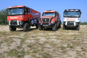 Trojice kamionů chystá odjezd na Dakar