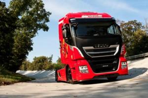 Společnost Iveco podporuje Fondazione Telethon dražbou nového Stralisu XP TCO2Šampiona exkluzivně v barvách Scuderia Ferrari (Foto zdroj: Iveco)