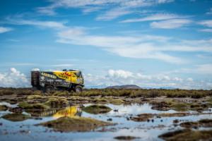 Dakar 2017 - 8. etapa- Martin Macík s posádkou týmu BIG SHOC RACING / Foto zdroj: KM Racing