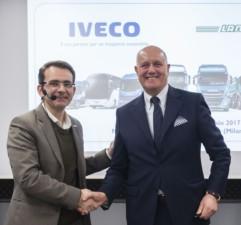 Společnost IVECO a Lannutti podepsali jednu z nejvýznamnějších evropských smluv v odvětví kamionové přepravy / Foto zdroj: Iveco Czech Republic, a. s.