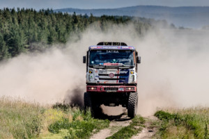 Martin Kolomý třetí etapou doslova prolétl a druhým nejrychlejším časem za Bělorusem Viazovichovem si po jednodenní odmlce opět zajistil pozici lídra závodu! / Foto zdroj: BUGGYRA media