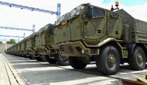 Ministr obrany Martin Stropnický symbolicky převzal další nové vozy TATRA pro Armádu České republiky / Foto zdroj: TATRA TRUCKS a.s.