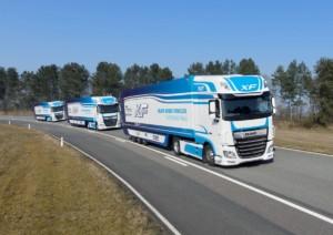 """Společnost DAF Trucks se podílí na testech bezdrátově propojených souprav vozidel (technologie """"platooning""""), prováděných ve Velké Británii / Foto zdroj: DAF Trucks CZ"""