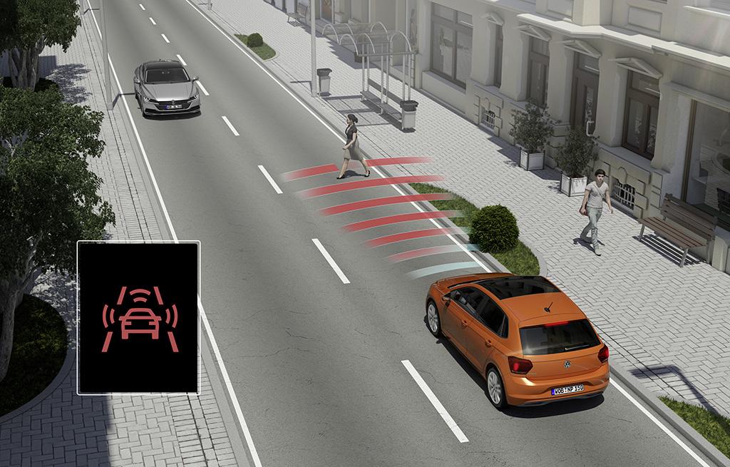 Nové Polo je sériově vybaveno systémem Front Assist včetně funkcí nouzového brzdění City Brake a rozpoznávání chodců / Foto zdroj: Porsche Česká republika s.r.o.