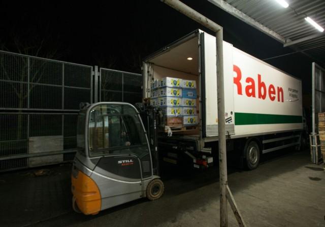Někdy jsou i obyčejné piškoty nad zlato! / Foto zdroj: Raben Logistics Czech s.r.o.