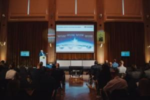 CNG jako ekologická inovace od osobních aut až po kamiony (Vladimír Handl, jednatel DB Schenker, na konferenci Login mluvil o zkušenostech s CNG) / Foto zdroj: DB Schenker