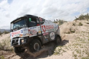 10. etapa Dakaru míchá pořadím, Huzink je 10. / Foto zdroj: MKR Technology/PatRESS.cz (Belem Team RENAULT-HUZING Dakar Rally in Salta Argentina PHOTO- WILLY WEYENS)