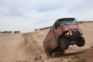 Extrémní Dakar řídí počasí, posádky se přesouvají do Salty / Foto zdroj: MKR Technology/PatRESS.cz