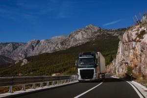 Společnost Volvo Trucks vítá nové požadavky na deklarované hodnoty spotřeby paliva a emisí CO2 nákladních vozidel / Foto zdroj: Volvo Group Czech Republic, s.r.o.