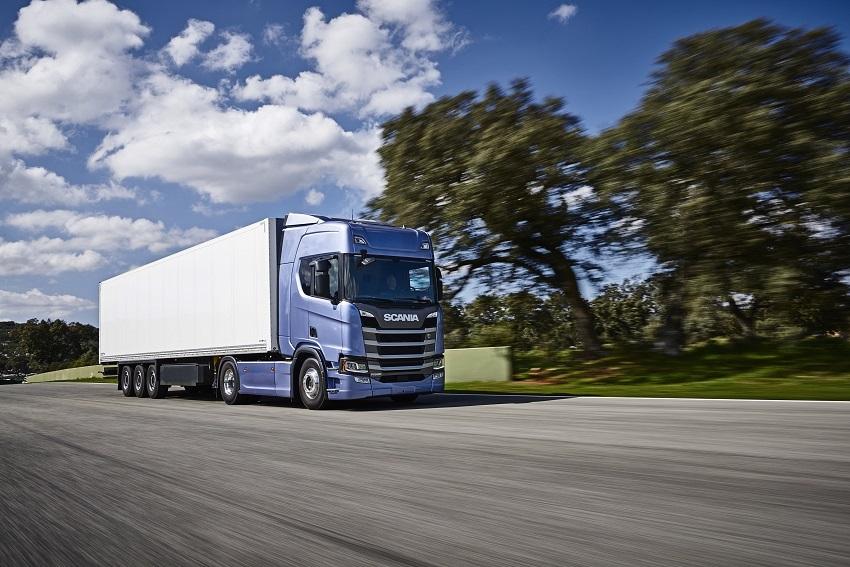 Foto zdroj: Scania Czech Republic, s.r.o. (Scania R 500 4x2 tractor with box trailer Malaga, Spain Photo: Dan Boman)