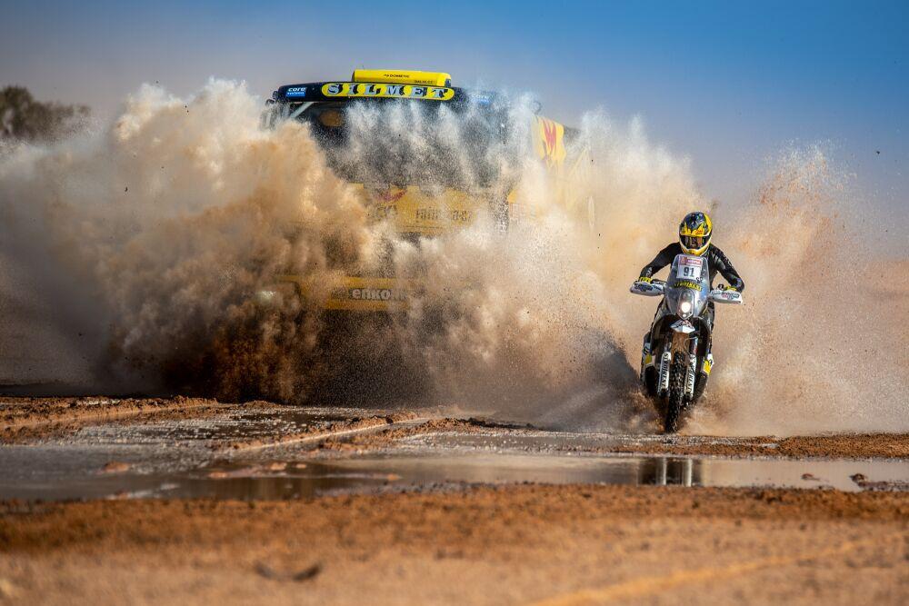 Macík vAfrice otestoval nový výkon kamionu. Brabec prošel školou navigace / Foto zdroj: Big Shock Racing