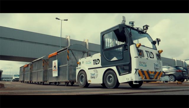 Skupina PSA a společnost EasyMile testují v Sochaux tahač se samočinným řízením / Foto zdroj: P Automobil Import s.r.o.