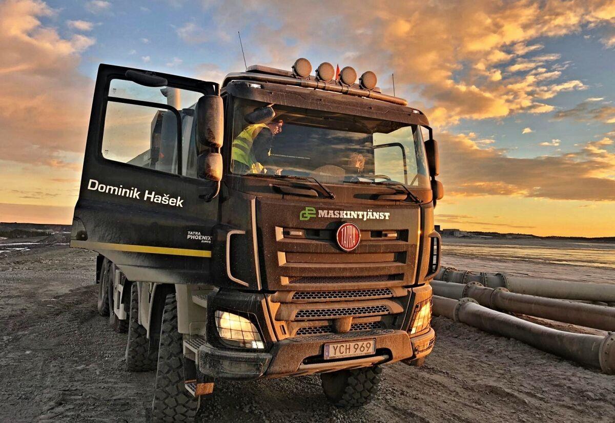 Tatrovky pomáhají při těžbě mědi ve Švédsku. Nesou při tom jména českých osobností / Foto zdroj: Tiskový servis TATRA TRUCKS