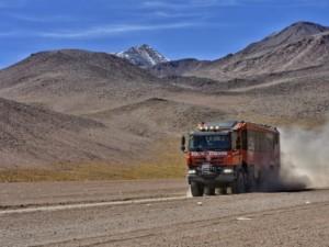 Tatrabus vozí turisty vjihoamerické Atacamě do tisícových výšek / Foto zdroj: TATRA TRUCKS a.s.